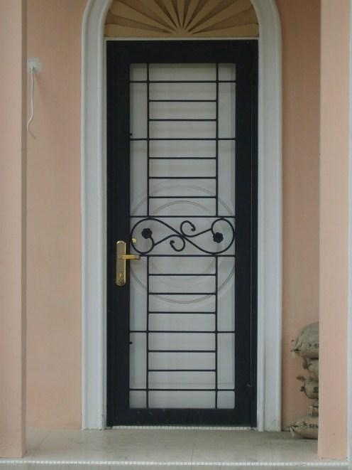 Hasil gambar untuk pintu teralis